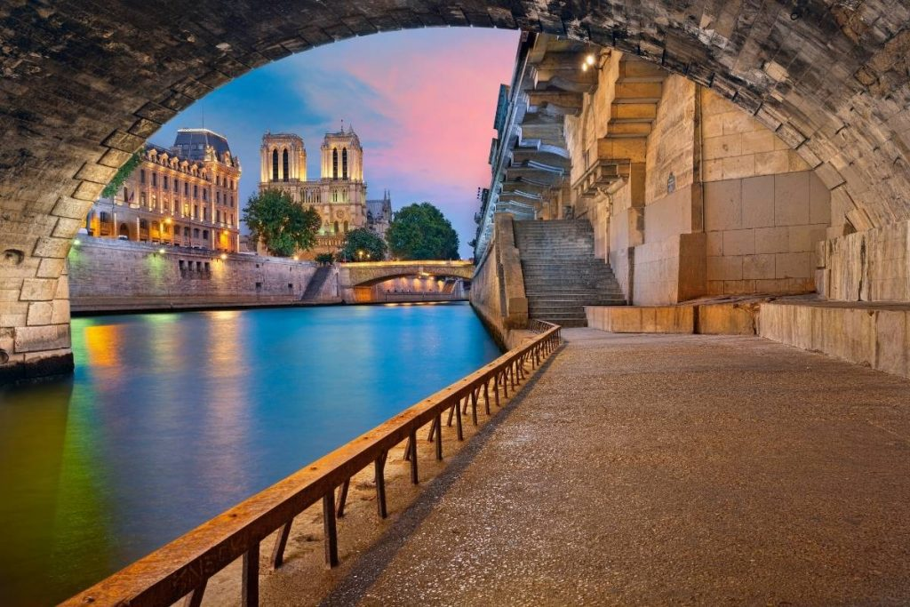 Paris Travel guide -off the beaten path